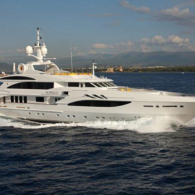 Platinum Yacht Running