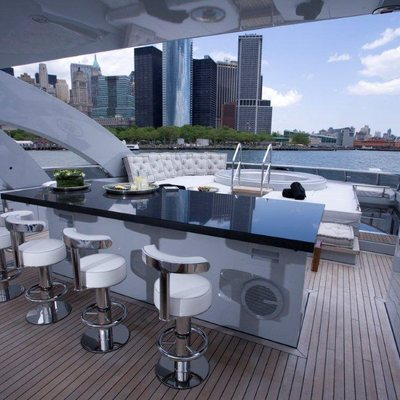 Bliss Yacht Skylounge