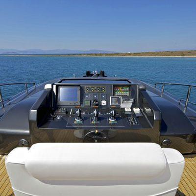 O'Pati Yacht Flybridge