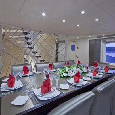 Daloli Yacht Dining Table Set