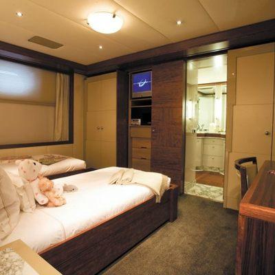 Lazy Z Yacht Twin Stateroom