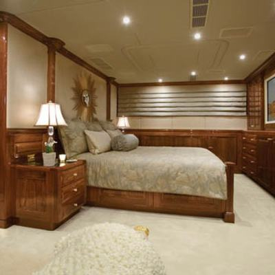 One More Toy Yacht Guest Stateroom - Side