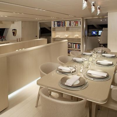 Red Dragon Yacht Dining Salon