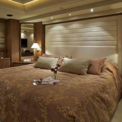 Lady Ellen Yacht Master Stateroom