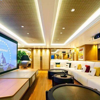 Mary-Jean II Yacht Skylounge