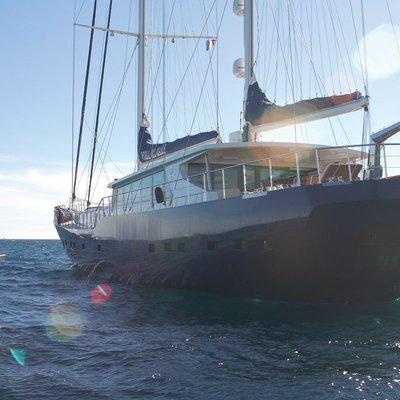 Perla del Mare Yacht Stern - Close