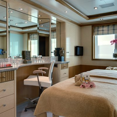 Pegasus VIII Yacht Beauty Salon