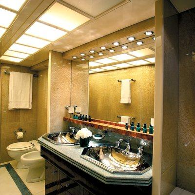 Obsesion Yacht Master Bathroom