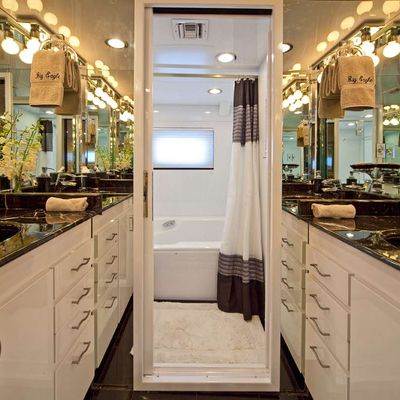 Big Eagle Yacht VIP Bathroom