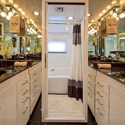 Big Eagle Yacht VIP Bathroom