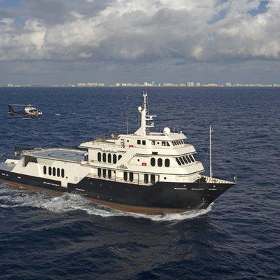 Global Yacht Running Shot - Side View