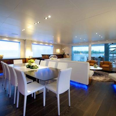 Palm B Yacht Dining