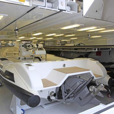 Wheels Yacht Tender Garage