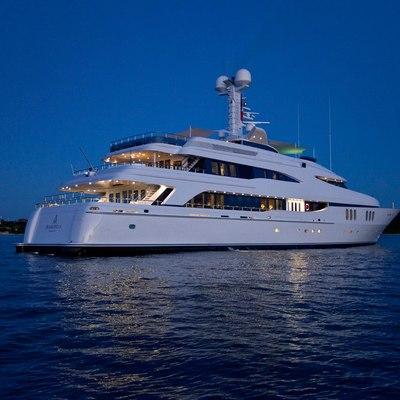 Diamond Yacht Rear View - Night