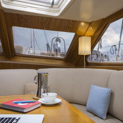 Songbird Yacht