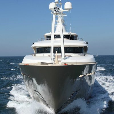 Light Holic Yacht Bow