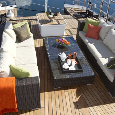 Sunny Hill Aft Deck Overview