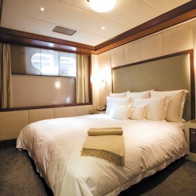 Lazy Z Yacht Guest Stateroom