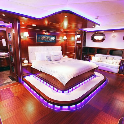 Carpe Diem IV Yacht VIP Stateroom