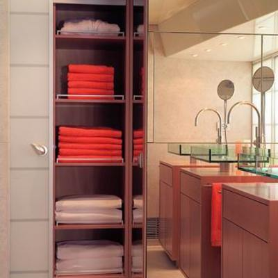 Phoenix Yacht Storage in Bathroom