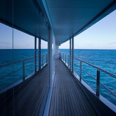 Idol Yacht Terrace