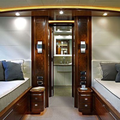 Libertas Yacht First Twin Stateroom