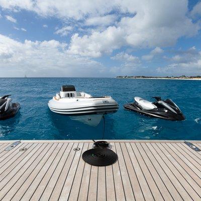 Idol Yacht Swim Platform