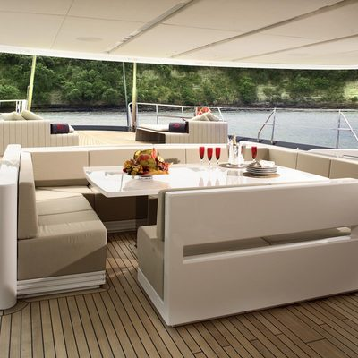Red Dragon Sundeck - Seating