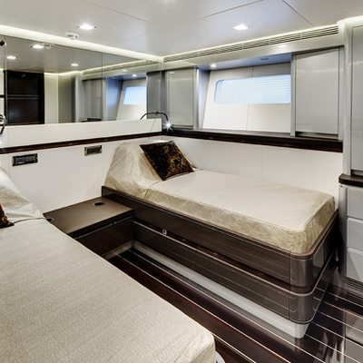 Bliss Yacht Twin Stateroom