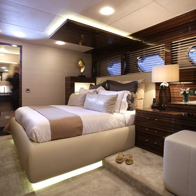 taTii Yacht Guest Stateroom