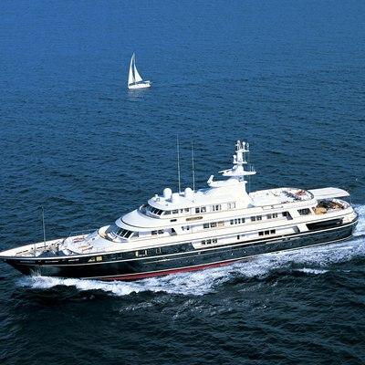 Virginian Yacht Running Shot - Profile