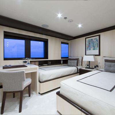 Revelry Yacht Twin Stateroom - Near Master