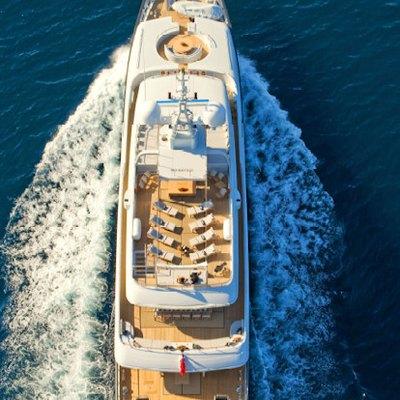 Mariu Yacht Overhead