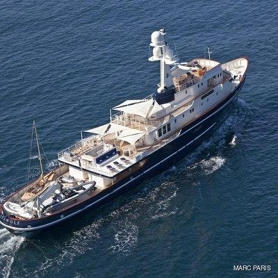 Seawolf Yacht Running Shot - Aerial