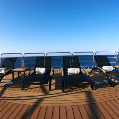 Siren Yacht Sundeck - Sun Loungers