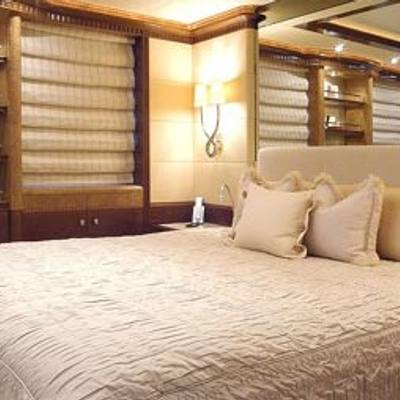 Sea Walk Yacht Guest Stateroom - Bed