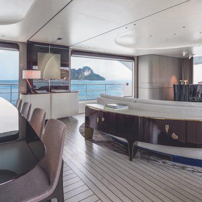 Heed Yacht