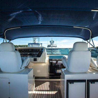 Blosson Yacht