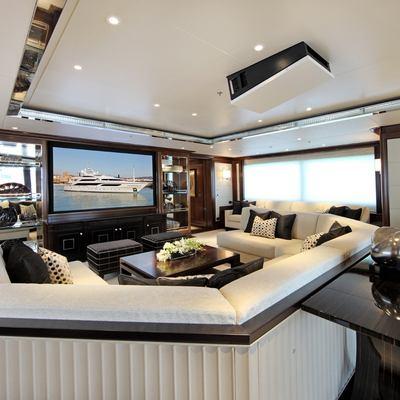 Seanna Yacht Cinema - Side View