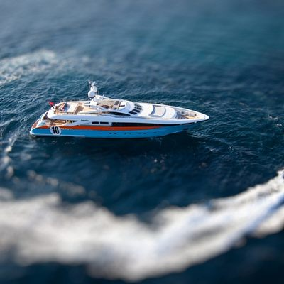 Aurelia Yacht With Tenders