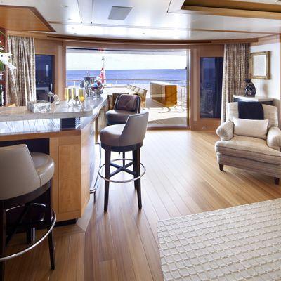 Lady Britt Yacht Bar