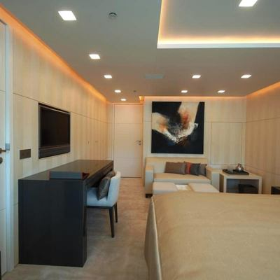 Siren Yacht Guest Stateroom - Bed