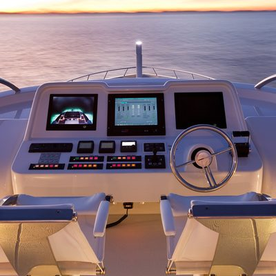 Quantum Yacht Flybridge