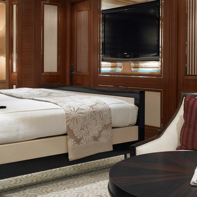 Kathleen Anne Yacht Master Stateroom - Side