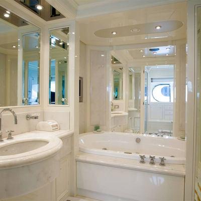 Olmida Yacht Master Bath