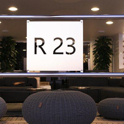 R23 Yacht