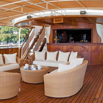 Seagull II Yacht Exterior Bar
