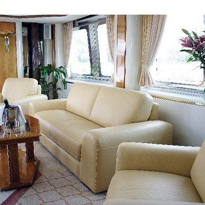 Northern Cross Yacht Skylounge