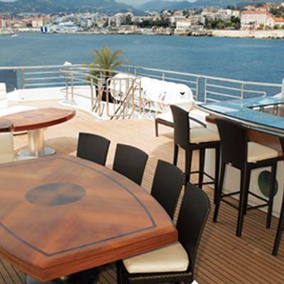 Talisman Maiton Yacht Exterior Bar