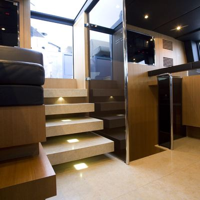 Seakid Yacht Stairs into Pilothouse